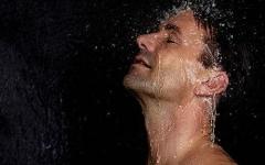 男性阴部瘙痒,用热水冲洗会更痒,是什么情况?
