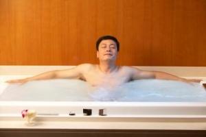 盆浴能治好前列腺炎吗?治疗这件事可不能偷懒